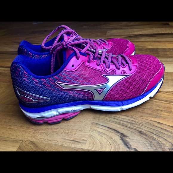 Details about Mizuno Wave Rider 19 Women Size 7.5 Running Shoes